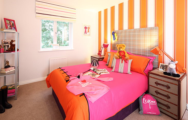 image of childrens bedroom in orange colour theme