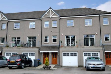 16 Larch Tree Place, Banchory